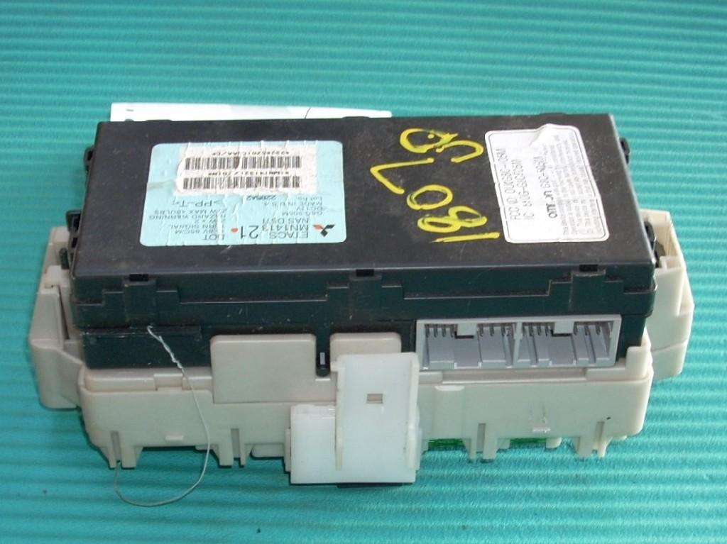 2006 MITSUBISHI ECLIPSE 3.8L CABIN DASH FUSE BOX MN141321 OEM