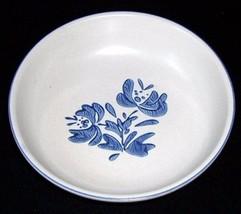 """Vintage Pfaltzgraff YORKTOWNE 8 1/2"""" Round Serving Vegetable Bowl USA - $12.00"""