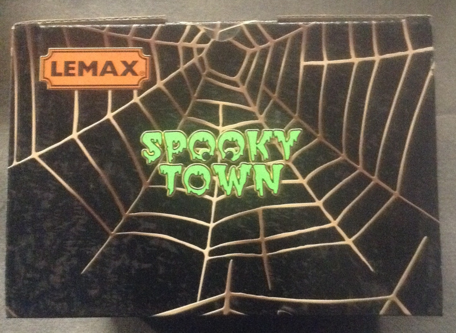 Lemax Halloween Spooky Town Cave Sweet Cave Vampire Lighted Animated Accent