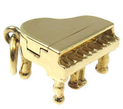 14k Yellow Gold Vintage Grand 3D Piano Charm - $240.00