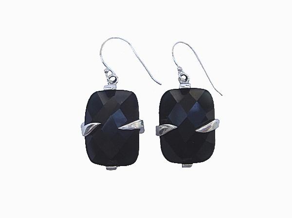 Earrings 600x600 500kb