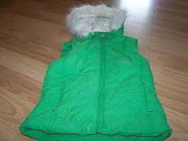 Girls Size XL X Large 14 The Children's Place Green Puffer Vest Detach Fur Hood  - $22.00