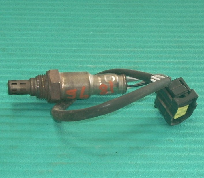 2013 CHRYSLER 200 OXYGEN SENSOR BLACK PLUG, 4 WIRE