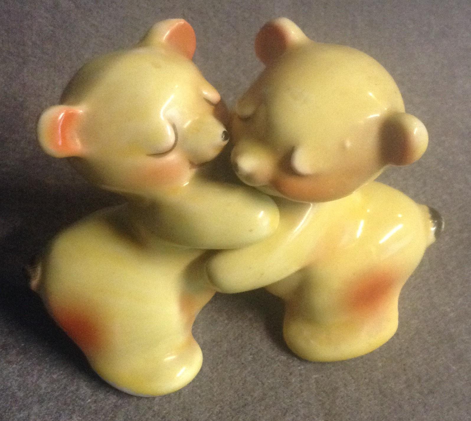 Van Tellingen Yellow Bear Hug Salt and Pepper Shakers Vintage 1950's Era