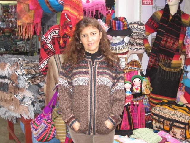 New sweaters  new offers   cumple sheila y luisito 069