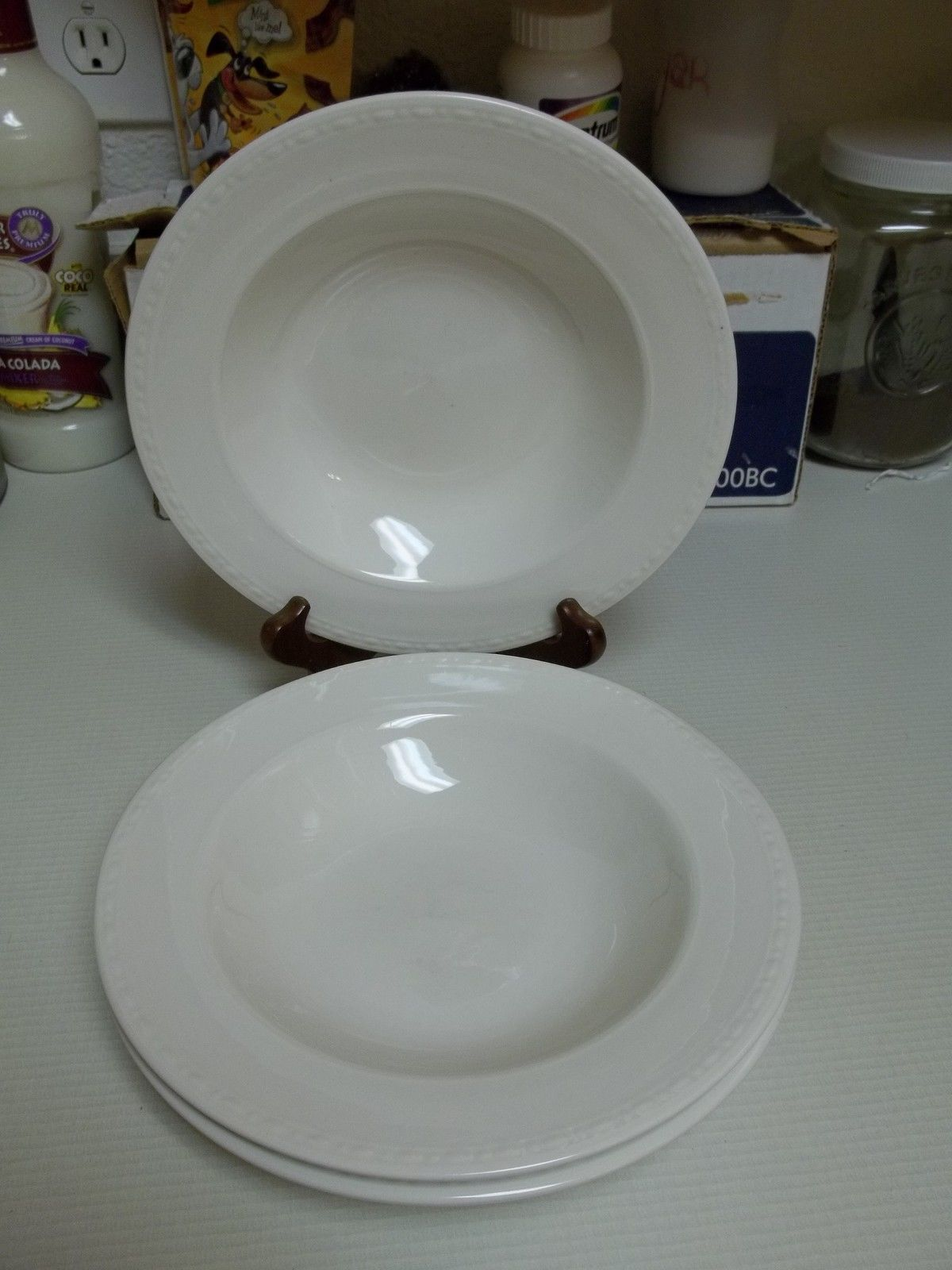 Oneida Casual Settings Meridian Set of 3 Rimmed Soup Bowls - $28.70