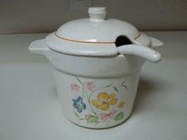 Treasure Craft USA 1 1/2 Quart Tureen With Lid & Ladle Flowers - $49.49