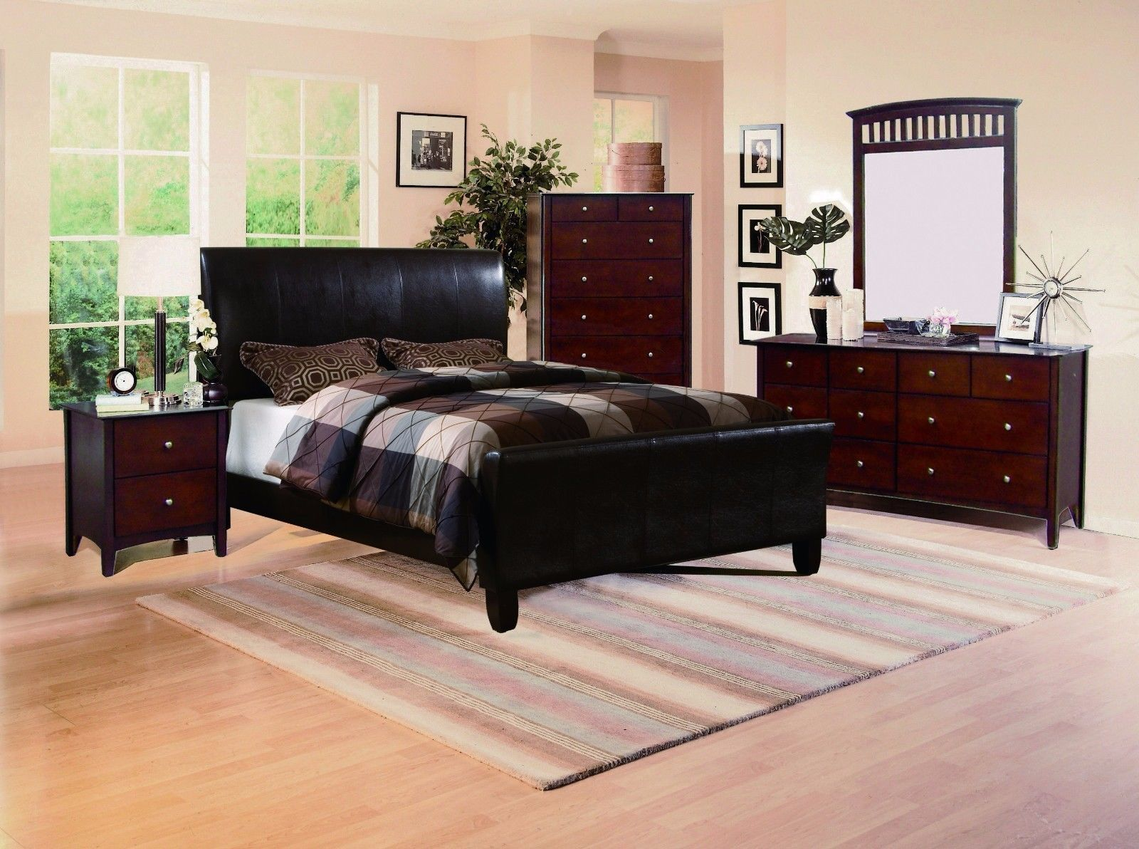 Crown Mark RB6275 Tomas King Size Bedroom Set 2 Night Stands Traditional style