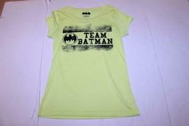 Women's Batman L Atletic Shirt (Yellow) DC Comics - $15.88
