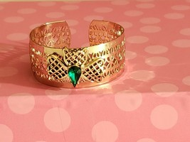 Vintage Silver Plated Bracelet With Green Stone - $9.90