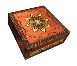 Flowers Wooden Jewelry Box Polish Handmade Linden Wood Keepsake - €25,84 EUR
