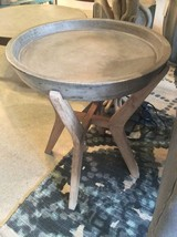 "22""H Stunning Waxed Concrete & Solid Wood  Accent Table - €327,35 EUR"
