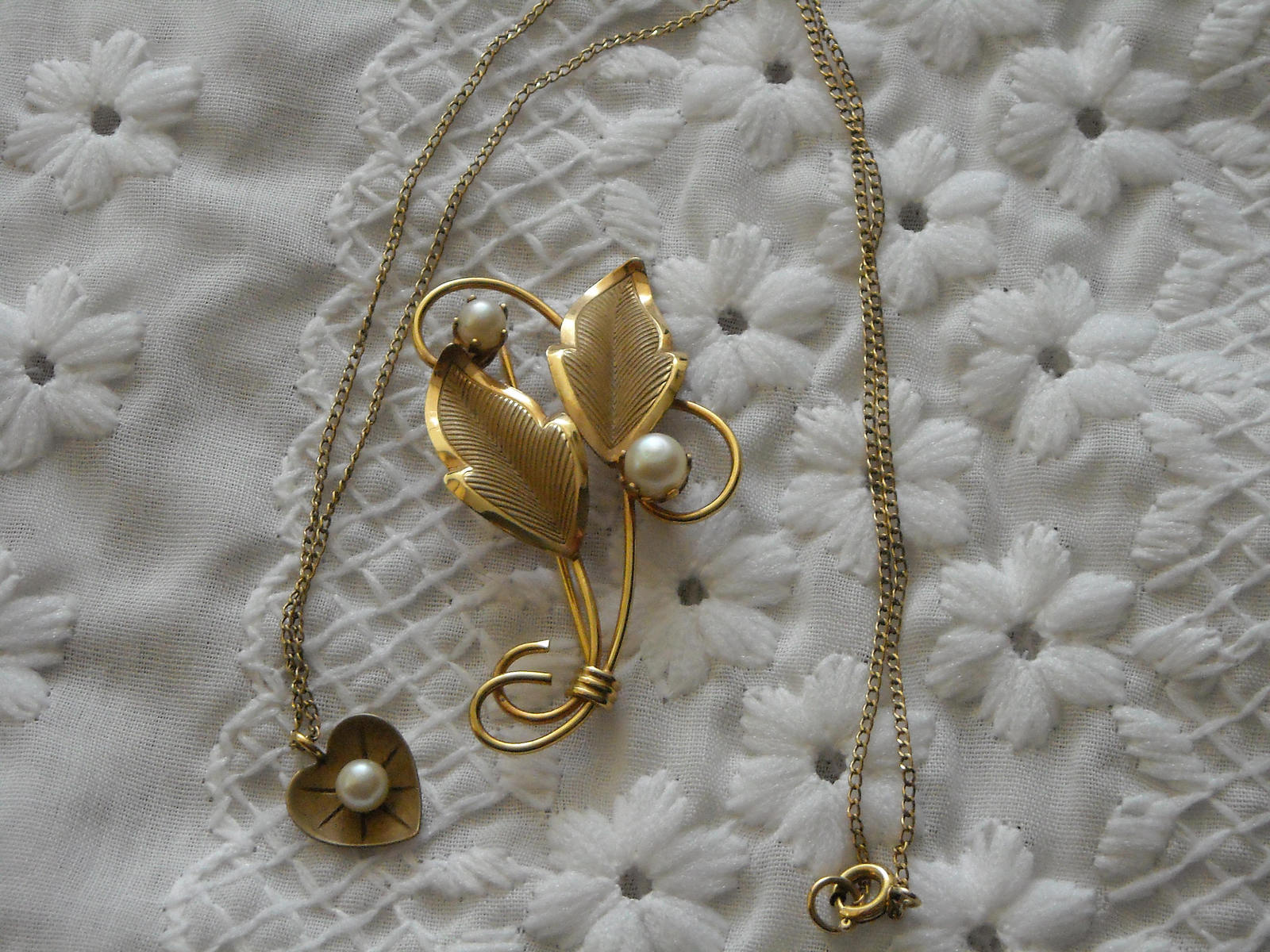 Pearl Pin Loran Sim 1/20th 12K GF Leaf & Pearl Heart Necklace dce 1/20th 14K GF