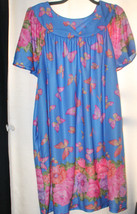 NEW WOMENS PLUS SIZE 3X BLUE FLORAL & BUTTERFLY LOUNGING NIGHTGOWN  SILKY - $17.41