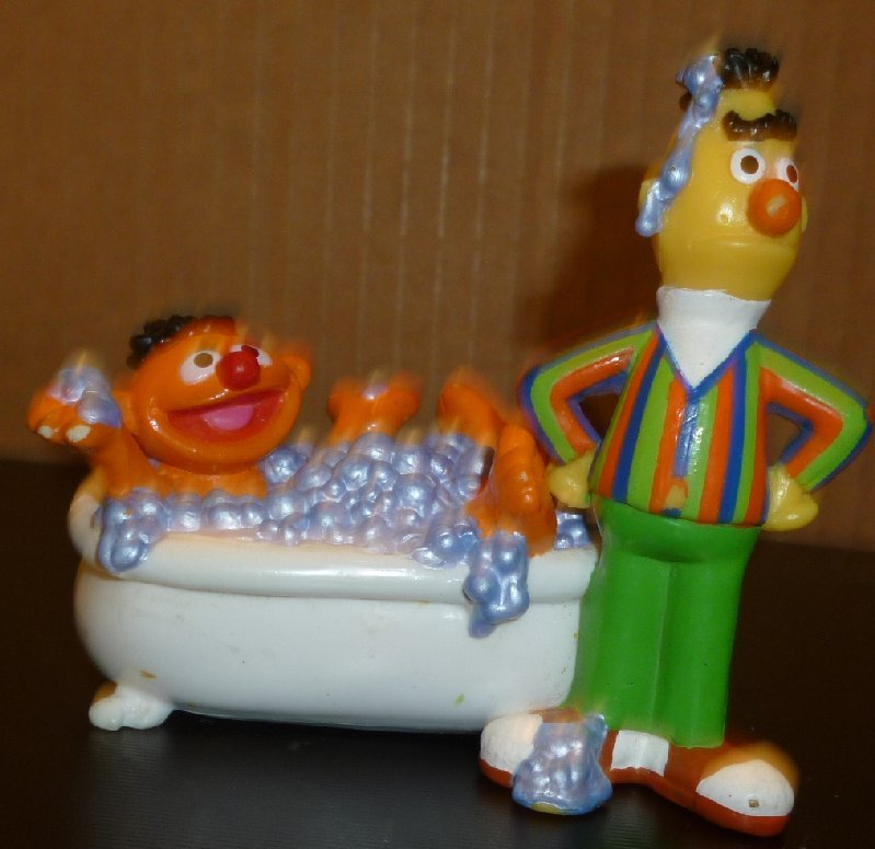 "SESAME Street PVC Figure BERT w/ ERNIE in Bathtub 3.5"""
