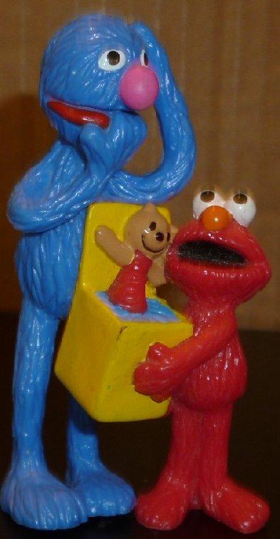 "SESAME Street PVC figure GROVER & ELMO with toy box 3"""