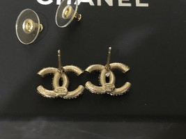 AUTHENTIC CHANEL GOLD RARE CC LOGO CRYSTAL STUD EARRINGS MINT image 2