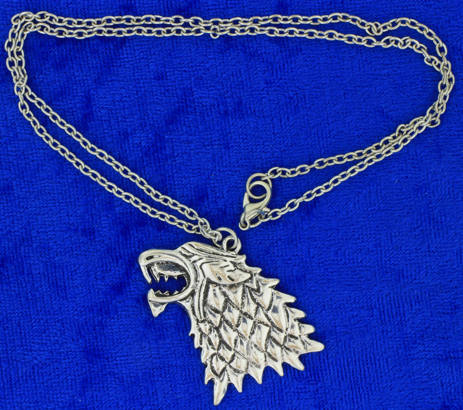 Wolf head necklace back