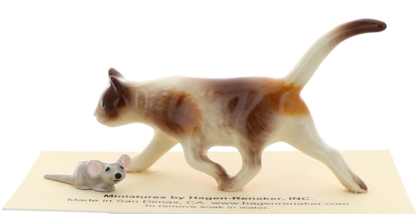 Hagen-Renaker Miniature Ceramic Cat Figurine Calico Prowling with Mouse