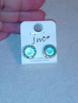 Gold tone turquoise studs - €4,63 EUR