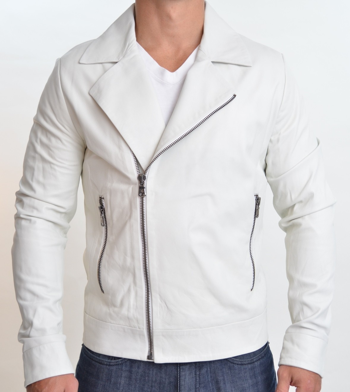 Shop men's white jackets from DICK'S Sporting Goods today. If you find a lower price on men's white jackets somewhere else, we'll match it with our Best Price Guarantee! Check out customer reviews on men's white jackets and save big on a variety of products. Plus, ScoreCard members earn points on .