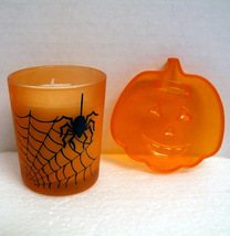 Halloween Pumpkin/Jack-O-Lantern Cookie Cutter and Orange Glass Candle H... - €9,67 EUR