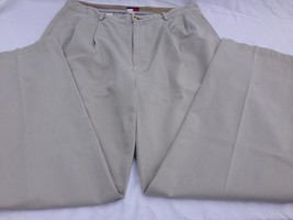 Tommy Hilfiger Khaki Twill Pants Chinos Pleated Wrinkle Resistant 34 W 33 Inseam - $19.49