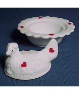 Red Hearts Hen on a Nest White Glass Chick Salt... - $27.95