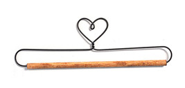 Ackfieldwire Heart With Dowel Craft Holder - $8.50