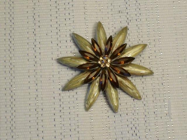 Cookie Lee Fall Starburst Brooch - Item #48159 - New! image 2