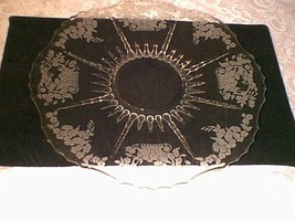 NEW MARTINSVILLE MEADOW WREATH LARGE PLATE - $22.77