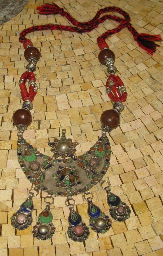 Moroccan antique necklace1