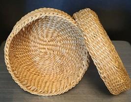 Vtg Sweet Grass Woven Basket Small Folk Art Handmade w/ Lid Handle Trinket Box