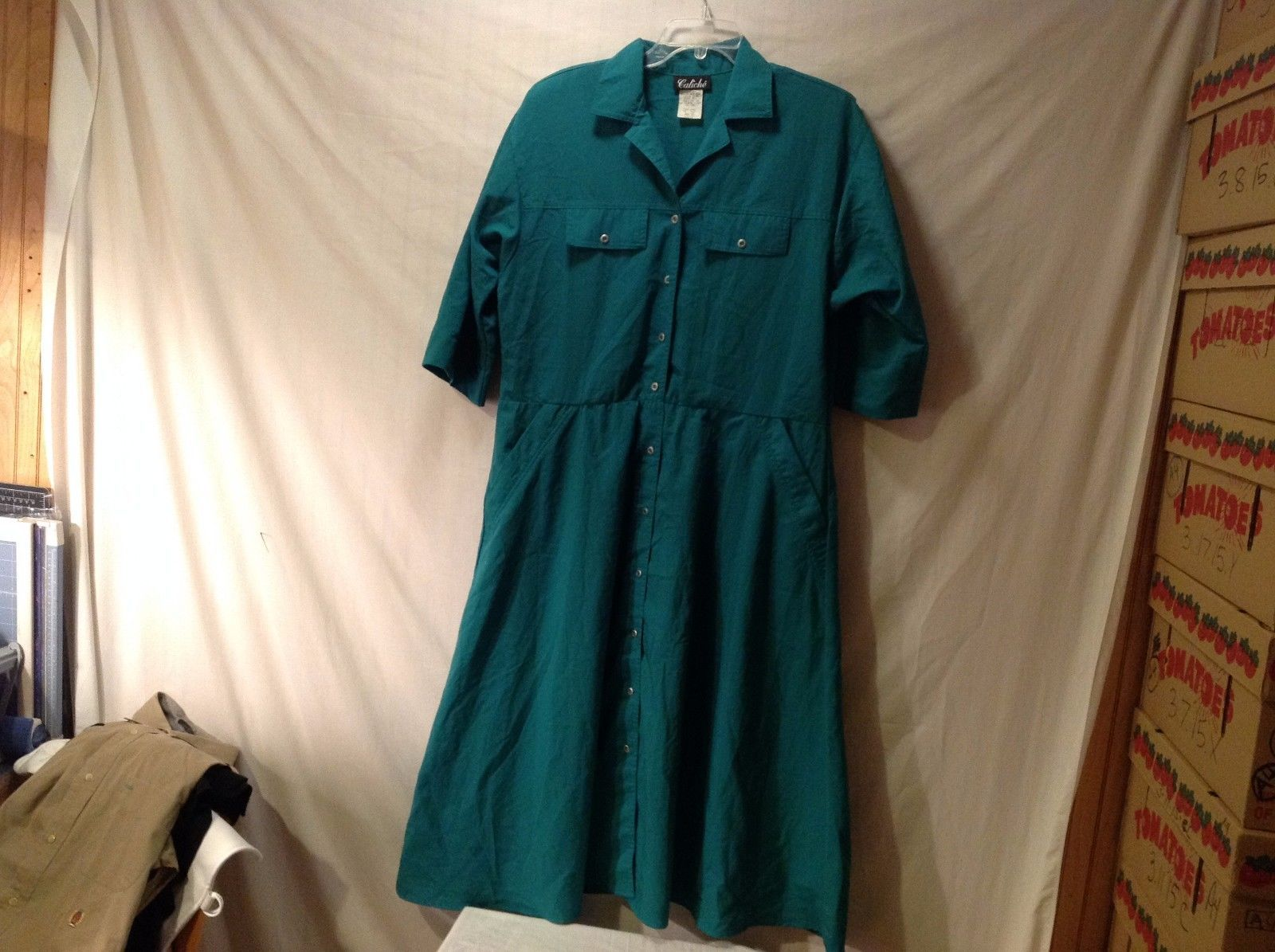 Women's Caliche Emerald Green Dress Size 14 Long Lightweight Buttons Up Front