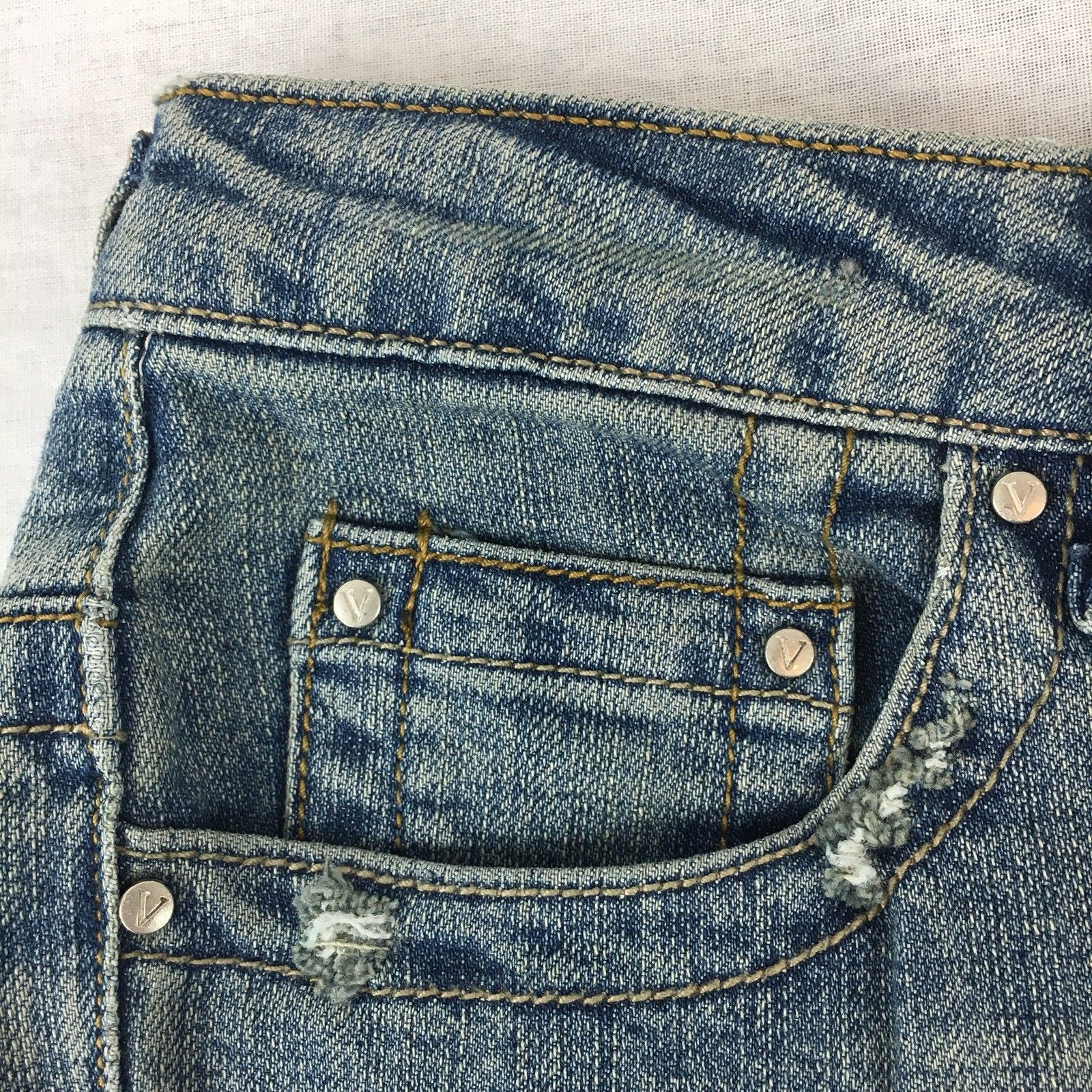 Vanilla Star Juniors Jeans Boot Cut Light Wash Embroidered Distressed Size 3x32