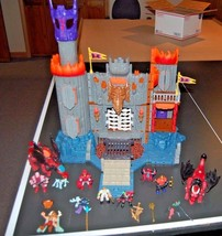 Medi 2004 castle Imaginext medieval dragon eagle 25+ figures C5235 disco... - $29.02
