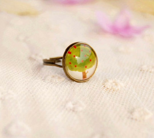 Chic Forest Apple Tree Medal Acrylic Cocktail Ring - Rings