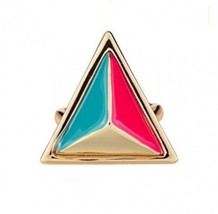 Stylish Punk Contrast Triangle Cocktail Ring - $6.79