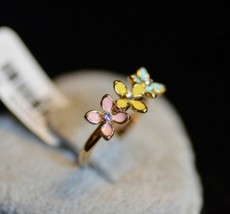 Pretty Three Tinny Flowers Women's Cocktail Ring - $5.99