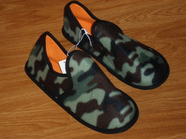 BOYS CAMOUFLAGE SLIPPERS SIZE S (11/12) SOFT FLEECE NWT - $10.43