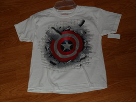 Captain America Graphic T Shirt Size S White Nwt  - $8.98