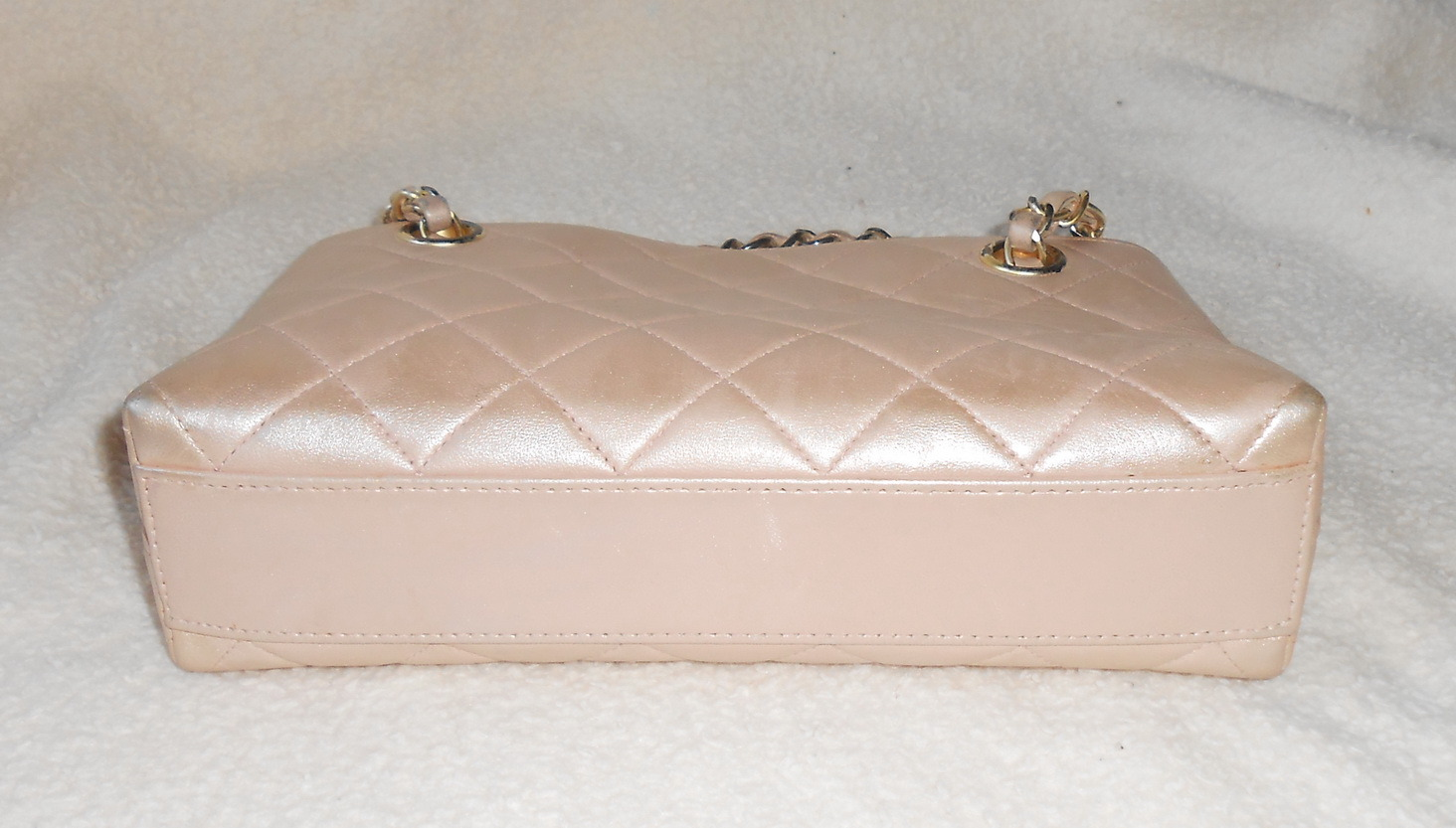 Authentic CHANEL peal pink leather small handbag bag