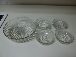 Nice Glass Seashell Serving Bowl with 4 Small Bowls ~ 5 Piece Set - $59.39