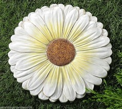 "Set of 2 - 10"" Daisy Stepping Stones Weathered White & Yellow Painted Finish"