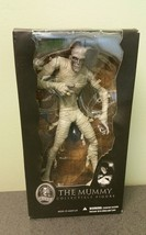 MEZCO TOYZ / UNIVERSAL STUDIOS MONSTERS COLLECT... - $23.76