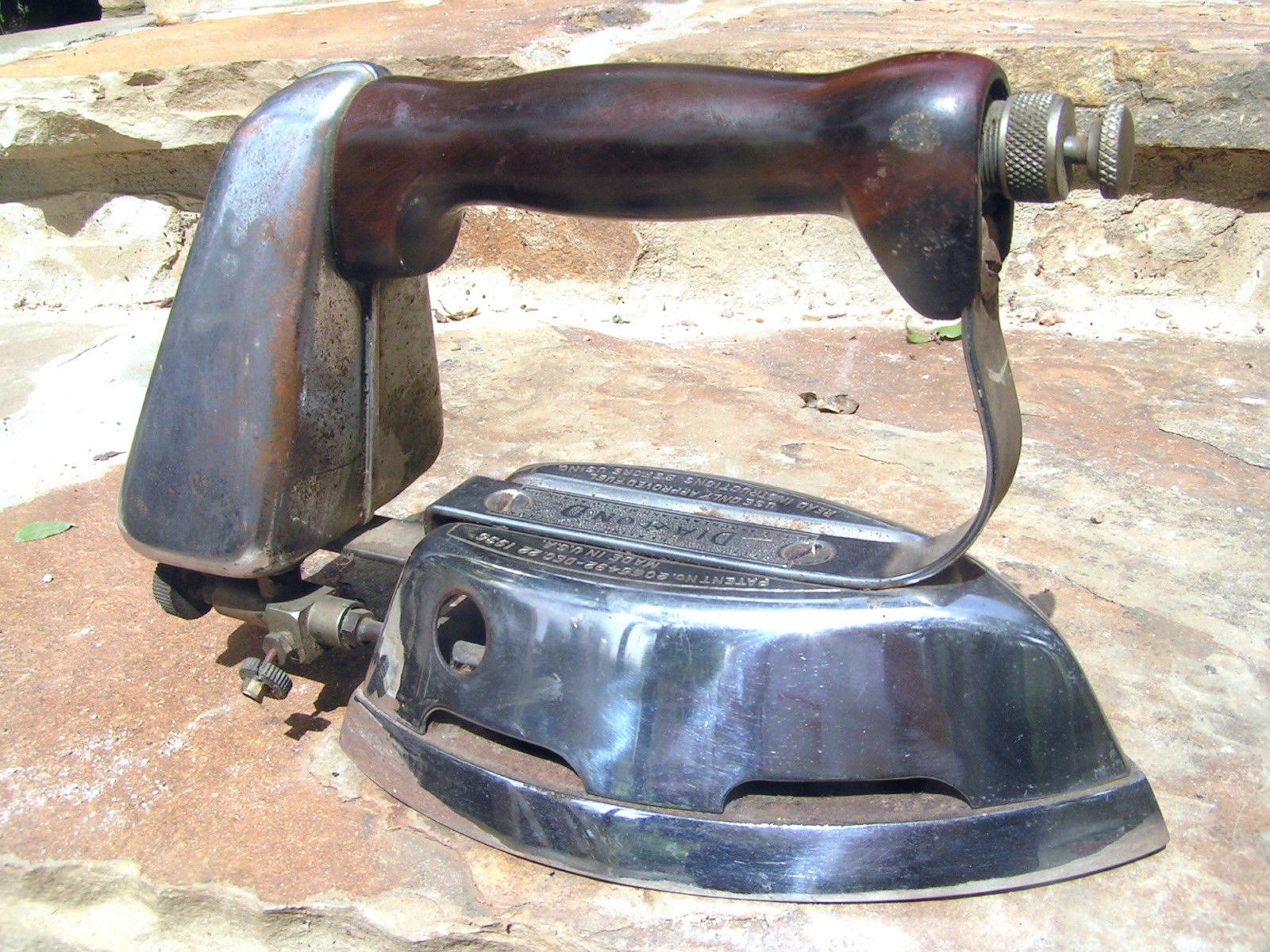 1930s Akron Lamp Company Diamond Brand Gas Clothes Pressing Iron BZ