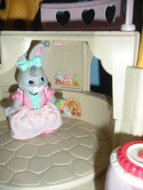 Vintage Fisher Price #74733 Bunny Home COMPLETE w/ Instructions/EXC++! (C)  image 5