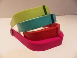 4 Colors Authentic Fitbit Wristbands Lime Blue Orange Pink Medium - $291,22 MXN