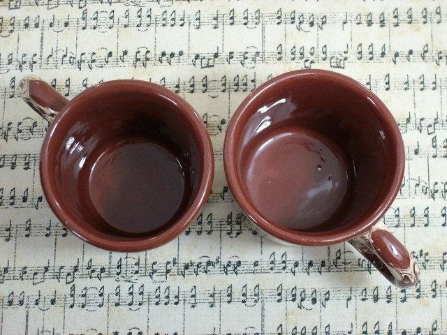 """Cardwell, Montana """"Clays In Calico"""" Coffee / Tea Mugs - Excellent, Unique Items!"""