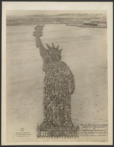 Human Statue of Liberty (18,000 Soliders) Camp Dodge, Iowa -Des Moines 1... - $3.00